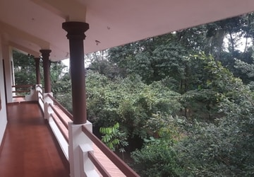 Kannur Homestay with Private Beach